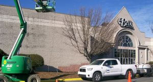 Professional Cleaning Services in Large Commercial Building in Greenville, NC